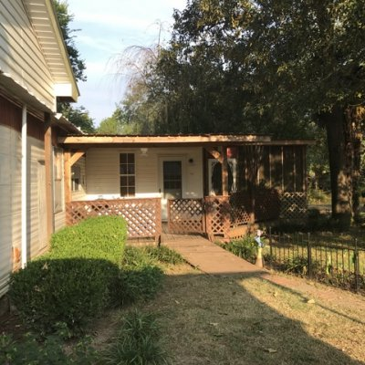 Covered porch & screened porch